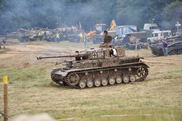 Det här ser man inte varje dag! En tvättäkta tysk stridsvagn, typ Pz IV.