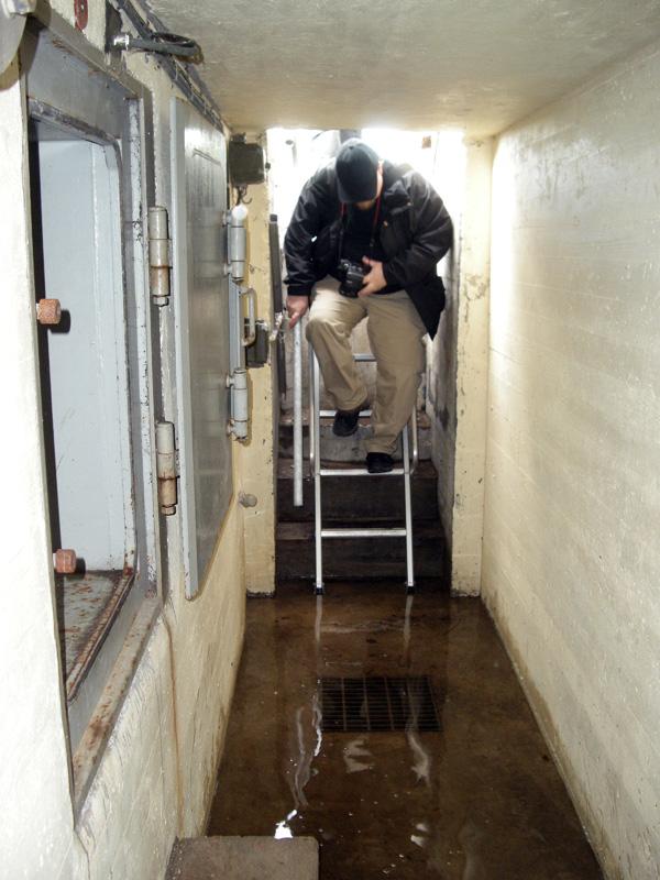 Konsten att gå på vatten kan behövas i vissa bunkrar!
