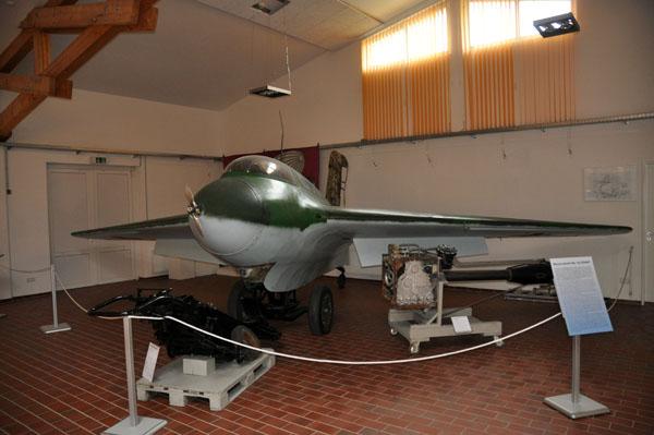 Me-163. Frågan är vilket som var farligast för piloten? Planet eller fienden?