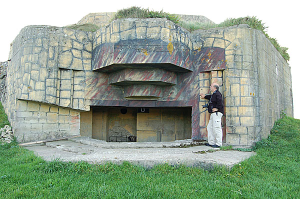 Batteri Azeville, någon kilometer från Utah Beach. Ett välbevarat tyska kustartilleribatteri och en av de många platser som skall besökas under vår veckolånga vistelse i Normandie den kommande veckan.