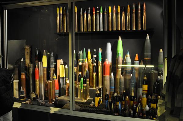 Granater, granater och åter granater.