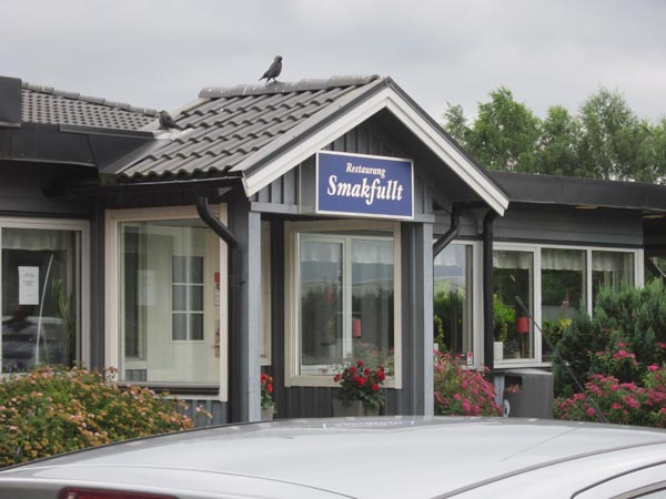 Äntligen mat i Bollebygd, utanför Göteborg.