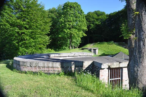 En av pjäsplatserna i batteri Husvik