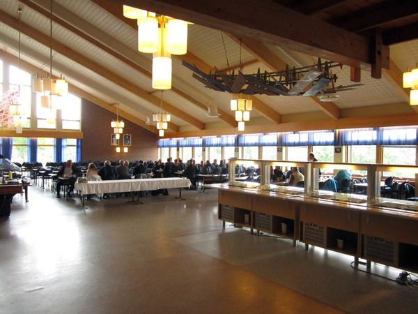 Matsalen på Trondenes. Påminner mycket om matsalen på Oscarsborgs fästning.