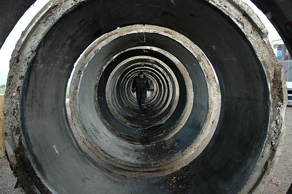 En sista kontroll av ringarna. En bild som nästan känns som lite science-fiction. (foto:Johan Andreé)