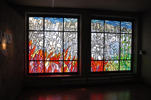 Fönster i koncentrationslägret Gross Rosens museum.