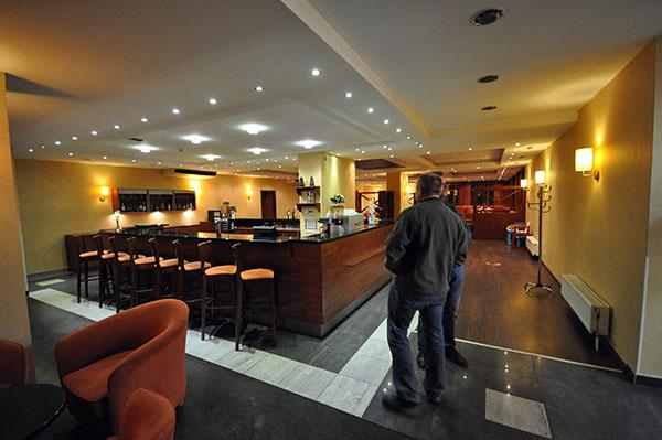 Man kände sig lite ensam och övergiven i den stora matsalen.