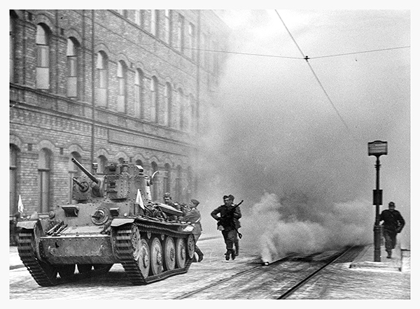 Gatustrider i Stockholm under en övning 1944 (foto:Krigsarkivet)