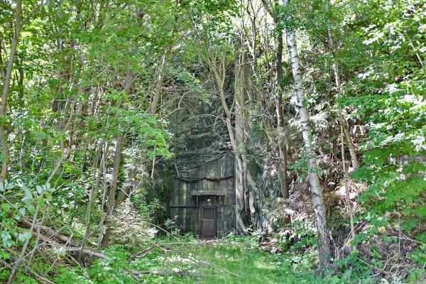 Anläggningar kunde vara spektakulära, som här djupt inne i urberget....