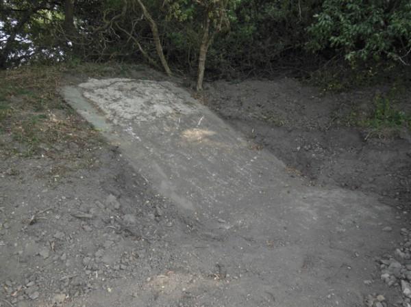 En renstädad betongplatta. (foto Beredskapsmuseet)