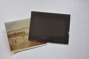 Det är lite speciellt med över 100 åriga fotografier.