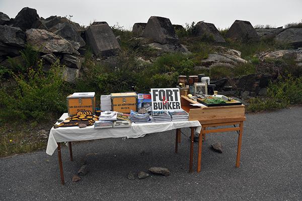 Bokförsäljning på Oscar II fort.
