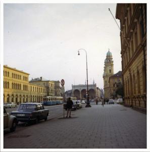 Odeonplatz med Feldherrnhalle vid mitt första besök i Munchen 1964.