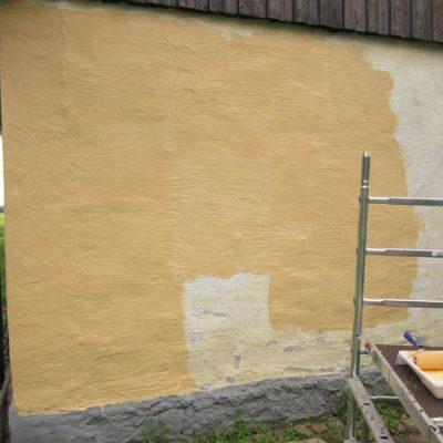 Målningsarbete pågår i långsam takt!