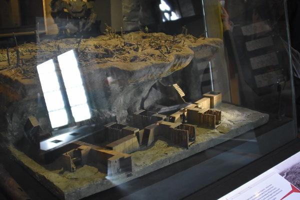 Modell över ett tunnelsystem från Första världskriget.